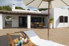 Villa in Sant Josep de Sa Talaia - VILLA BERTA